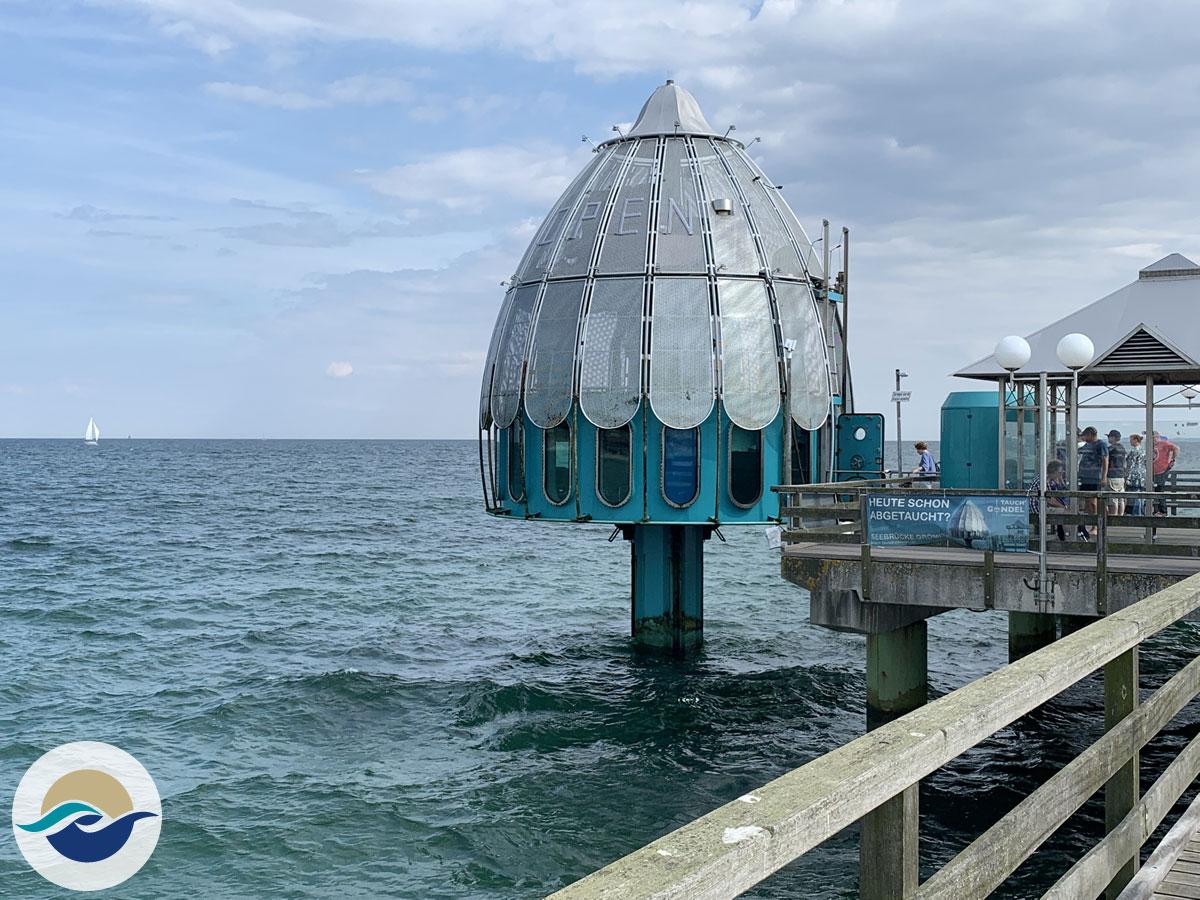 Mit der Tauchglocke geht es für alle Mutigen vom Seebrückenkopf in die faszinierende Unterwasserwelt der Ostsee.