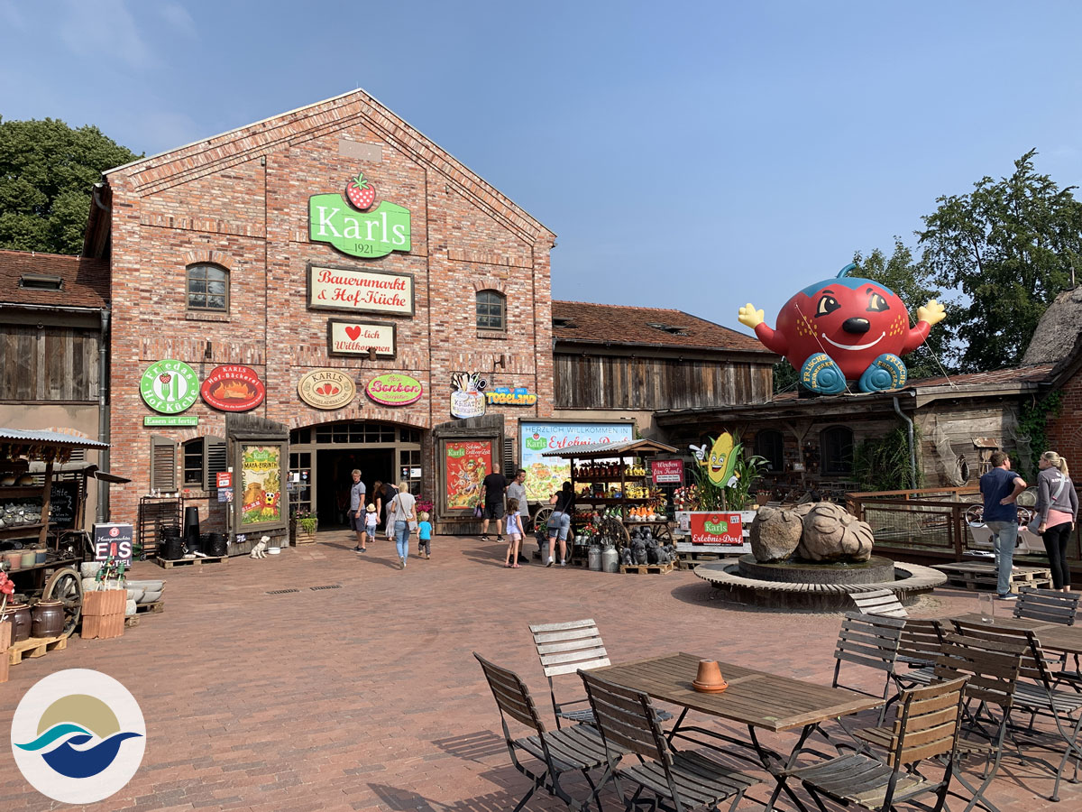 Verbringt einen Familienausflug im Erlebnispark in Warnsdorf bei Lübeck. Mit gläsernen Manufakturen, Bauernmarkt & Attraktionen für Kinder.